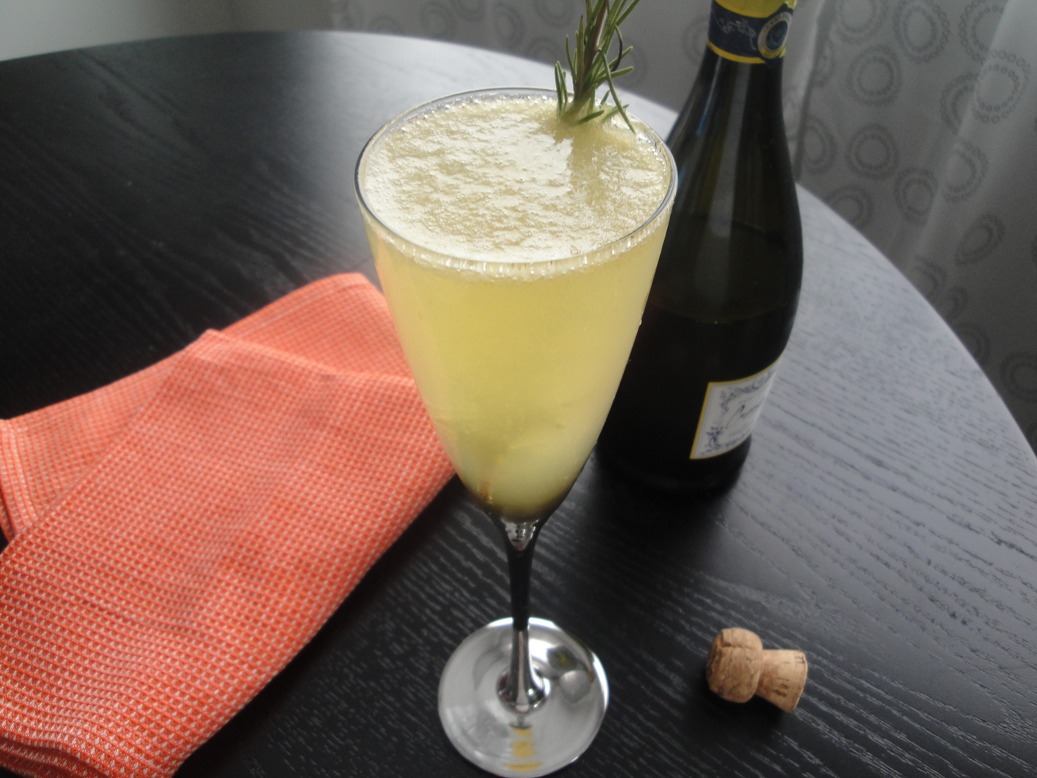 Sparkling Rosemary-Peach Cocktails | A Fork In Each Hand