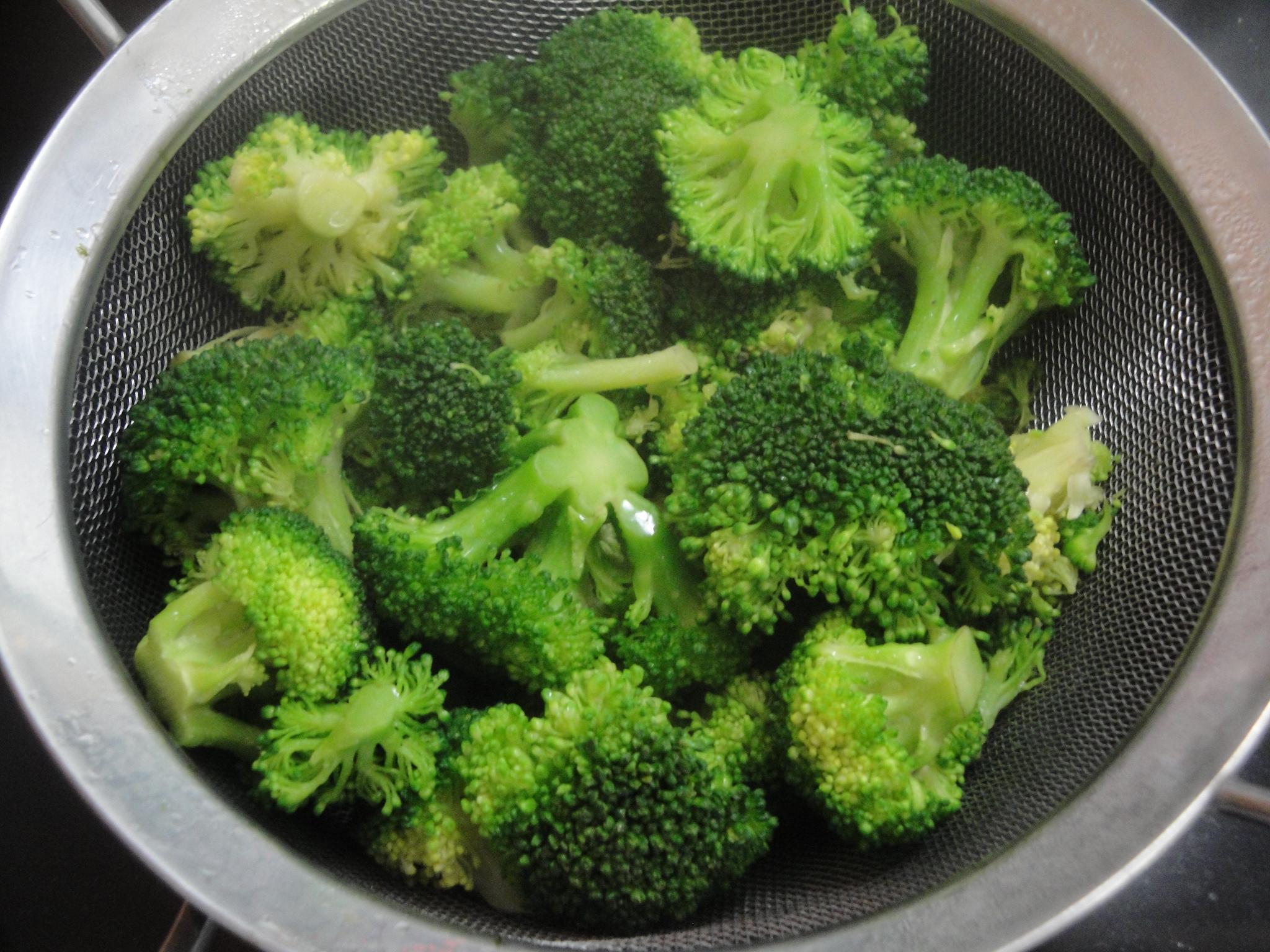 Broccoli And Cheese Mini Egg Omelets Recipe — Dishmaps