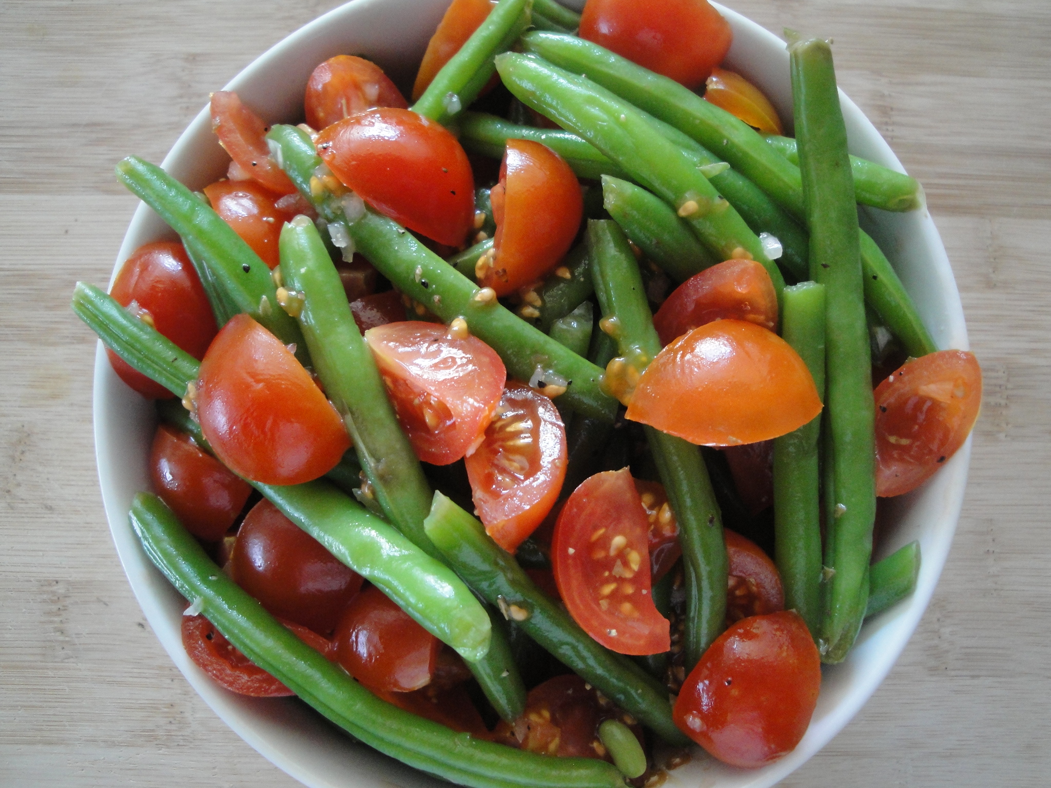 Green Bean and Cherry Tomato Salad | A Fork In Each Hand